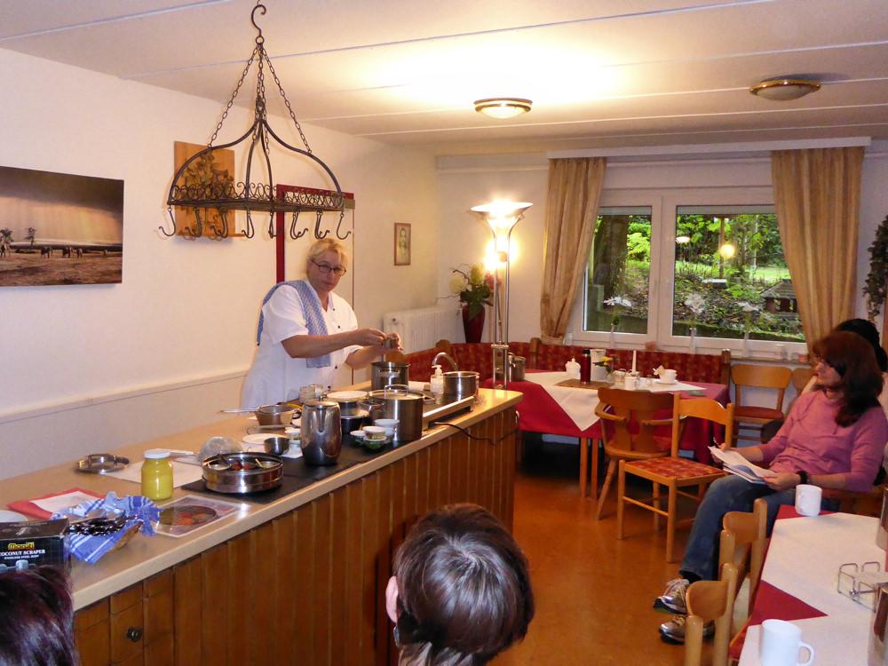 Ayurvedische kuche im aum kurzentrum pfedelbach gleichen for Ayurveda küche